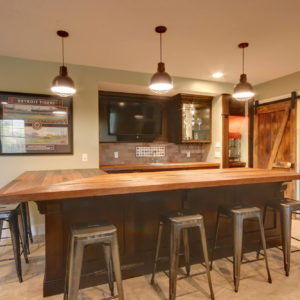 traditional stained wet bar with peninsulaweb